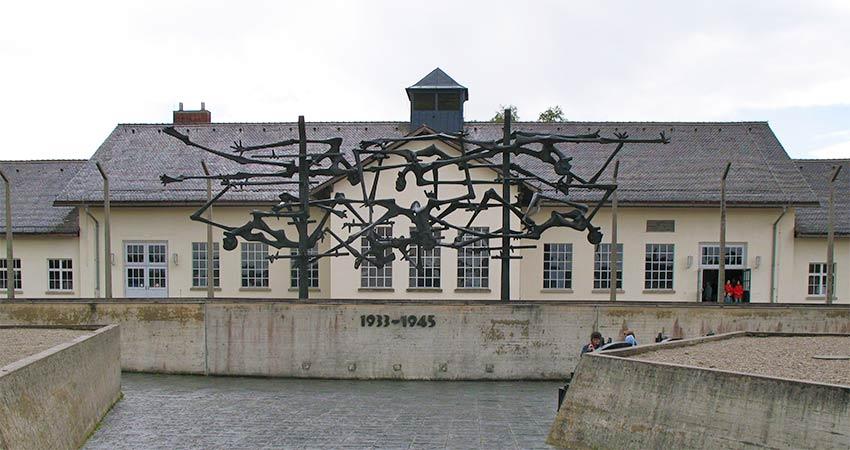 Denkmal am Lager in Dachau