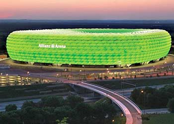 Allianz Arena in der Nacht